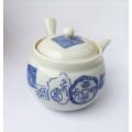 Starší japonská porcelánová konvička