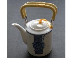 Čínská  porcelánová konvička 03
